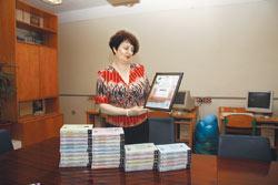 Елена ЛАВРИНЕНКО: - За обновлением системы образования нам необходимо обновлять библиотечные фонды.