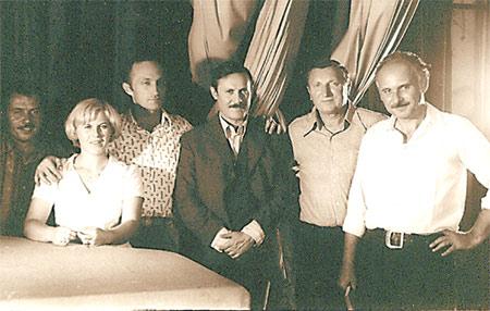 Съемочная группа фильма «Квартет Гварнери» (1977) во главе с режиссером Вадимом Костроменко (крайний справа).