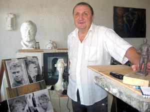 Скульптор Евгений Яблонский лепил голландца по фотографиям.