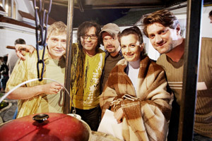 А вот девушка у друзей оказалась одна. Слева направо: Линецкий, Борисюк, Ступка, Лаврова и Зубков.