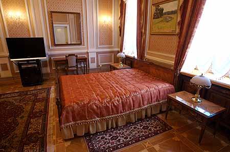 В такой комнате президентской резиденции остановится патриарх Варфоломей.