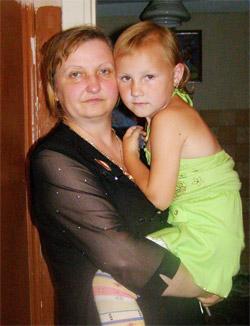 Наталья осталась одна с четырьмя детьми: дочерью и тремя сыновьями.