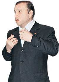 Виктор Батурин: - Попробуй справиться со мною без коньков!