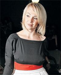 Теперь Яна Рудковская настоящая «роковая блондинка» - из-за нее два серьезных человека сойдутся в кулачном бою.