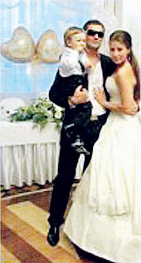 Всю свадьбу новый муж Маши нянчился с сыном Плющенко.