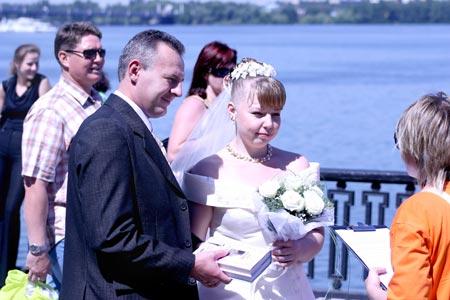 Андрея и Ольгу Геращенко уговорили расписываться в «три восьмерки» их друзья из Дании.