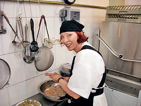 Вертинская готовит так, что пальчики оближешь.