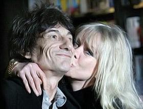 Ронни и Джо прожили вместе 23 года. Джо уже не надеется, что муж образумится. Фото с сайта Daily Mail.
