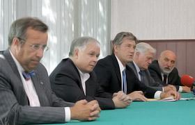 Чтобы поддержать своего коллегу, в Тбилиси приехали лидеры Эстонии, Польши, Украины, Литвы и Латвии.