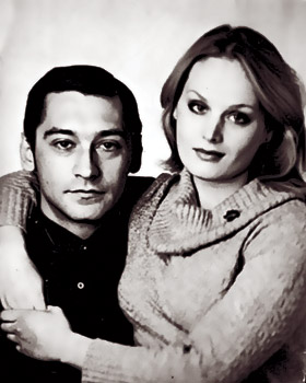Первой женой Владимира Тихонова была знаменитая актриса Наталья Варлей, второй - танцовщица Наталья Егорова.
