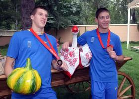 После «бронзового» триумфа Кваша и Пригоров расслабились в Украинском доме.