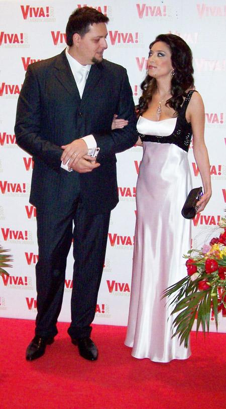 В украинском шоу-бизнесе пара Алены и Сергея считается образцово-показательной.