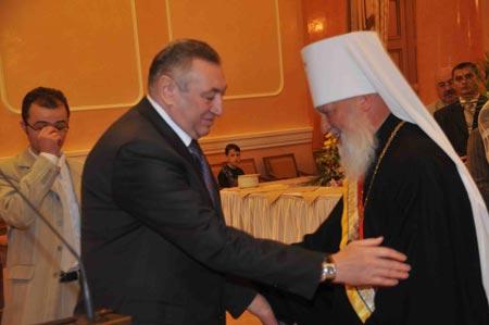 Мэр Эдуард Гурвиц митрополиту Агафангелу: – С 70-летием!