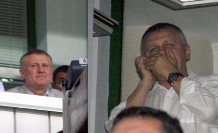 Томенко и братья Суркисы были явно не удовлетворены игрой. И особых эмоций не проявляли.