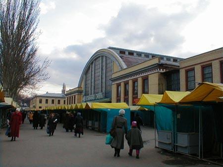 В субботу возле рынка можно будет пройти только пешком.