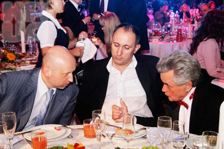 Нынешний (И. Ставчанский) и бывший (Н. Мащенко) директоры киностудии поведали Турчинову о проблемах кино.