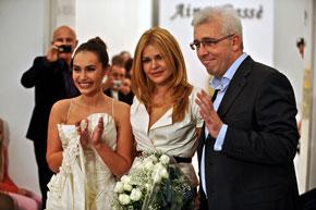 После показа: Виталина Ющенко, Айна Гасе и Генконсул Украины в Милане Владимир Яцинковский.