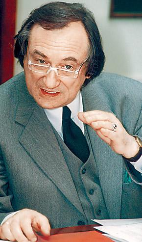 Богдан Ступка готов поспорить на любую тему из истории.