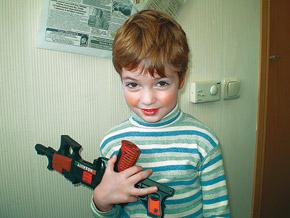- Игрушки - это для детей, а мне в школу скоро идти!