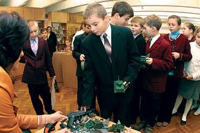 4-Б из 102-й киевской школы разоружился дружно.