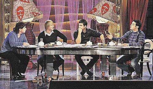 Убойная сила шоу «Прожекторперисхилтон» - (слева - направо) Александр Цекало, Сергей Светлаков, Иван Ургант и Гарик Мартиросян