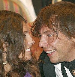 Илья Лагутенко предпочитает проводить время с женой Анной Жуковой и их дочкой Альбиной