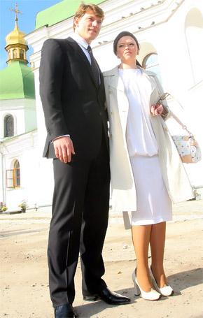 Олег ни на шаг не отходил от своей гражданской жены Кати.