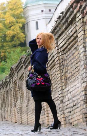 Когда у Айны появляется свободное время, она приезжает погулять по Лавре.