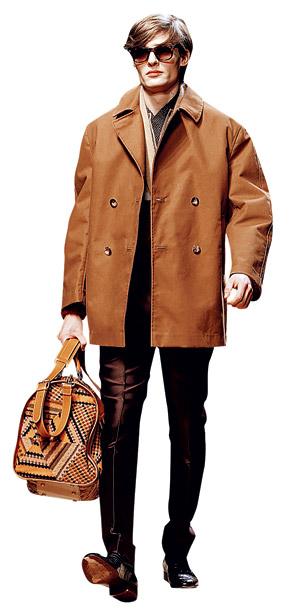Свободная куртка скроет лишние килограммы.