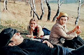Кадр из фильма «Москва слезам не верит»: отношения Кати и Гоши - яркий образец зрелых настоящих чувств.