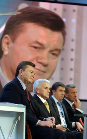 У Януковича весь вечер сохранялось отличное настроение.