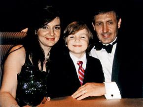 Марина, дочь Магомаева от первого брака, ее сын Аллен и муж Алекс.