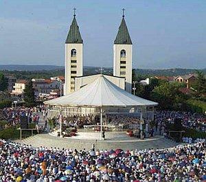 Церковь в Меджугорье стала центром массового паломничества